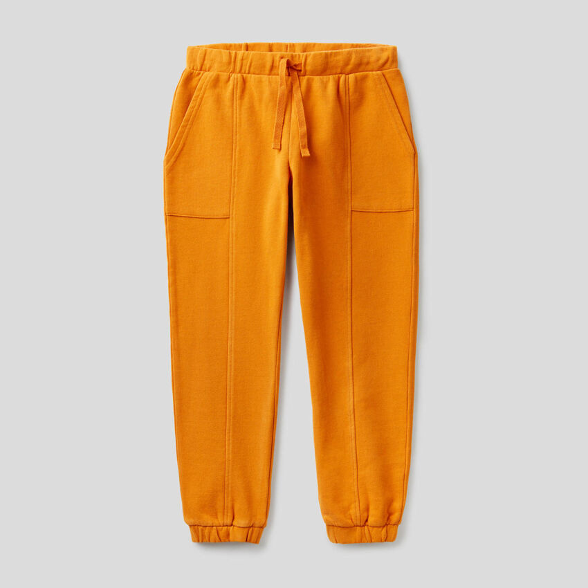 Pantalones de felpa con maxi bolsillos