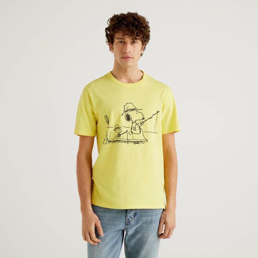 Camiseta de los Peanuts amarilla