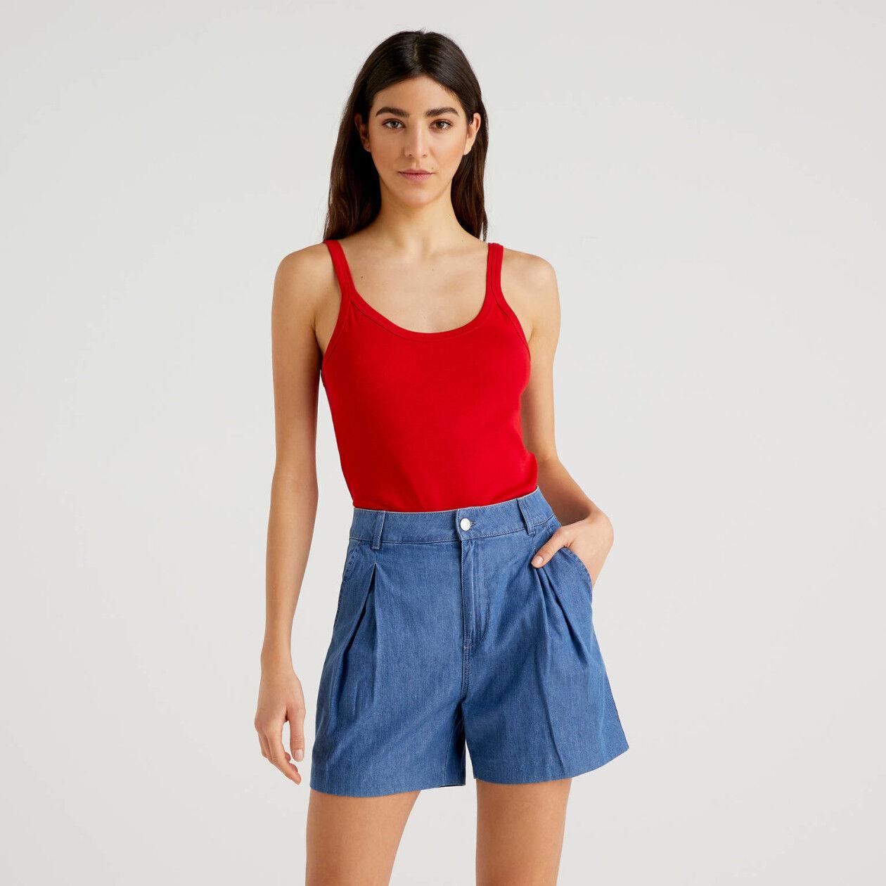 Camiseta de tirantes roja de algodón puro