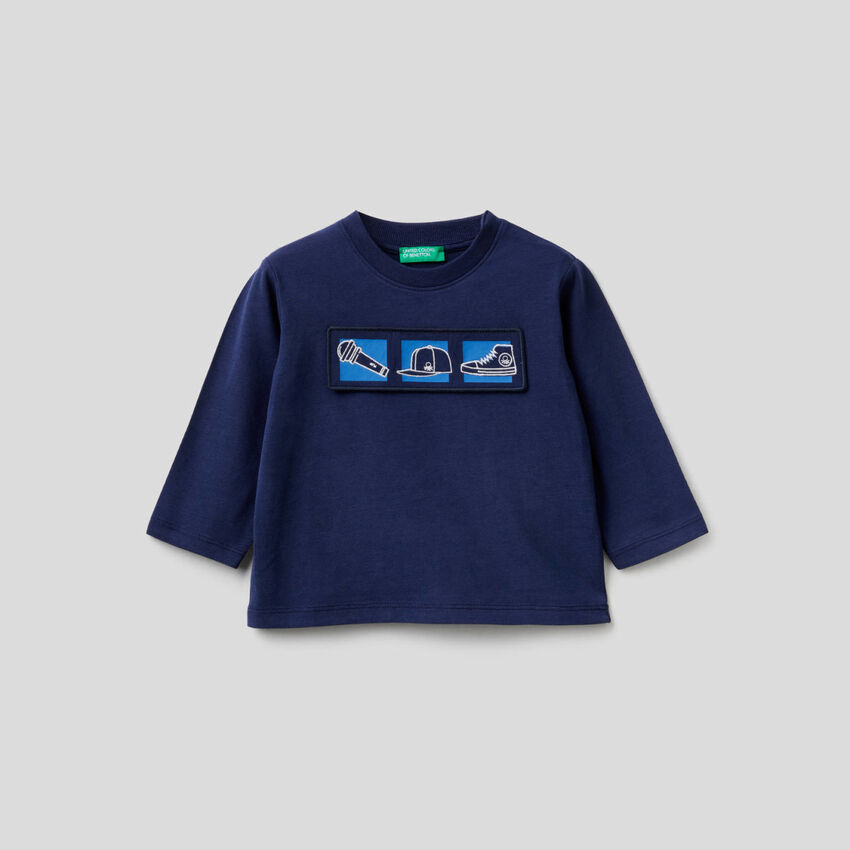 Camiseta de algodón orgánico con aplicación