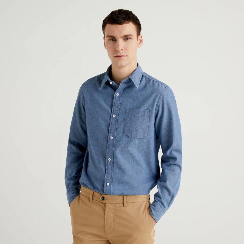 Camisa ceñida en cambray de 100% algodón