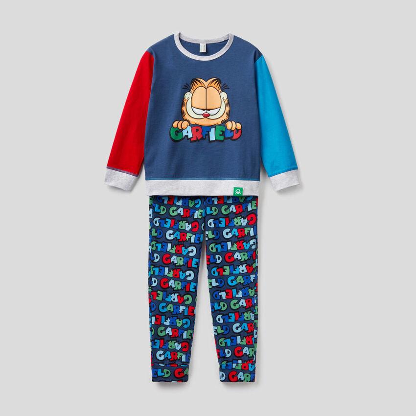 Pijama color block con estampado de Garfield