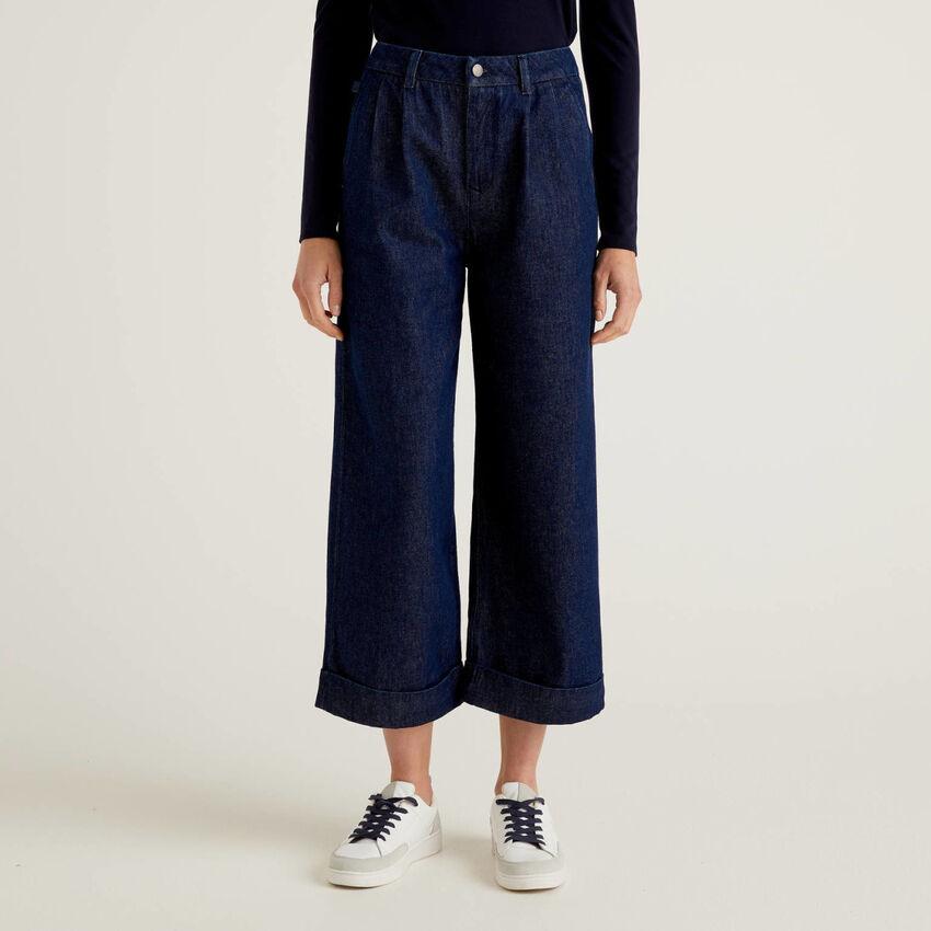 Pantalón vaquero modelo culotte