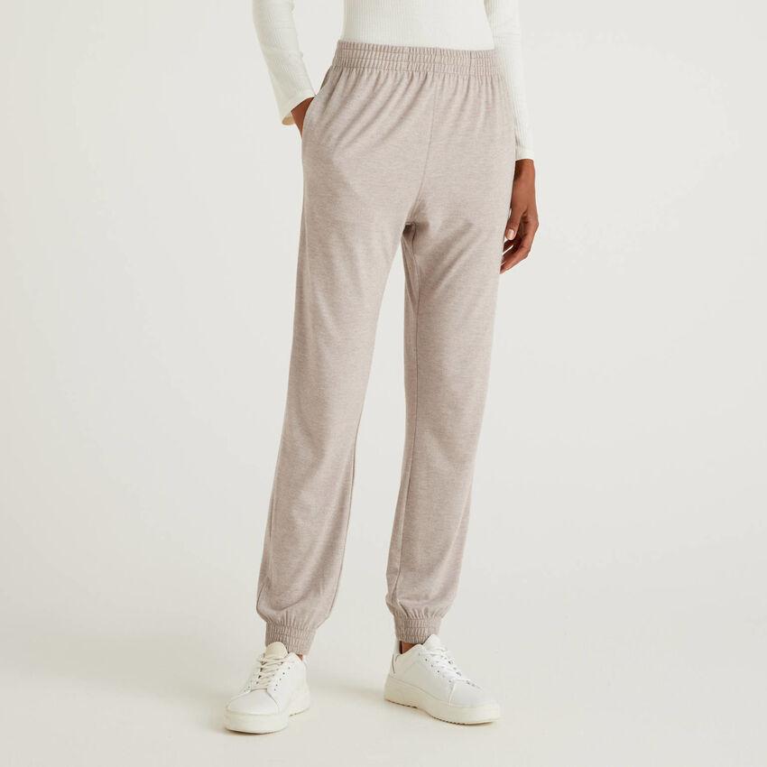 Pantalón loungewear fluido