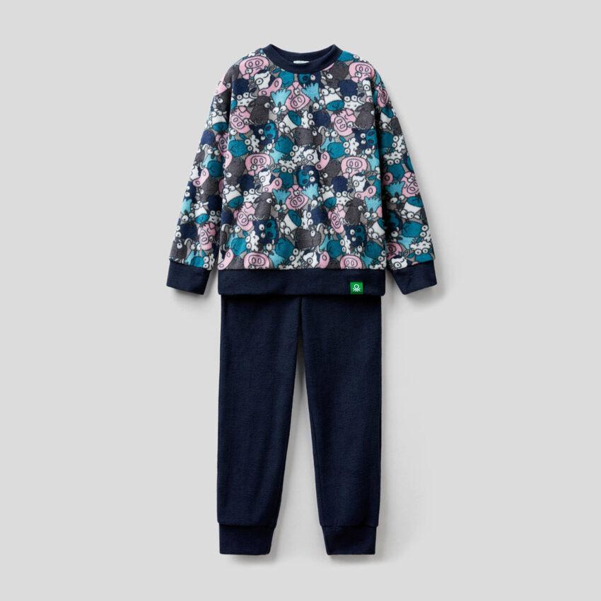 Pijama polar con jersey estampado