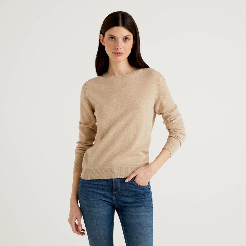 Jersey de cuello redondo beige de pura lana virgen